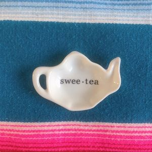 Swee-tea 🍵 teaspoon rest